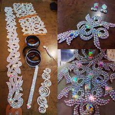 Комплект украшений под бальное платье #комплектукрашений #танцевальнаябижутерия #браслеты #комплектукрашений. #пояс #украшениедляволос #полосканапробор #серьги #бальныетанцы #латина #бальница #dancejewelry #bracelets #hairakcessories #necklace