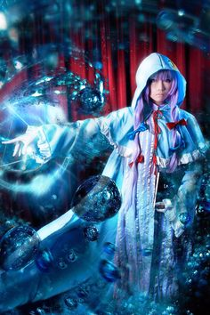 Nice special effects in the cosplay picture. Elemental magic is her specialty.