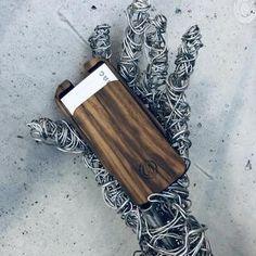Designstücke: exklusive Handtaschen und Accessoires aus Holz – nussbag Design, Madeira, Bags, Accessories, Leather Satchel, Handbags, Wood, Design Comics