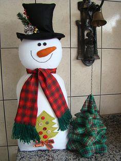 Nieve con arbolito  de la web Bella, Christmas Ornaments, Holiday Decor, Home Decor, Favors, Snow, Xmas, Manualidades, Decoration Home