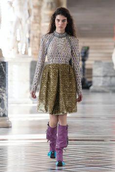Louis Vuitton | Ready-to-Wear Autumn 2021 | Look 26 Live Fashion, French Fashion, Fashion Week, Runway Fashion, Fashion Show, Womens Fashion, Paris Fashion, Nicolas Ghesquière, Louis Vuitton