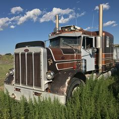 Millions of Semi Trucks Big Rig Trucks, Semi Trucks, Cool Trucks, Peterbilt 386, Freightliner Trucks, Classic Tractor, Classic Trucks, Classic Cars, 6x6 Truck