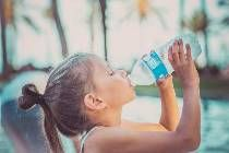 Cata apa trebuie sa bea un copil zilnic, in functie de varsta