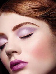 Pink eyeliner, lovely lavenders... soft eyebrow