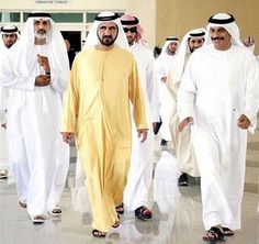 I grew up with man wearing thawbs and still think this is one of the most elegant outfits.