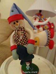 Boneco de Neve Christmas Sewing, Christmas Crafts, Christmas Ornaments, Elf On The Shelf, Snow, Halloween, Holiday Decor, Ideas, Snowman
