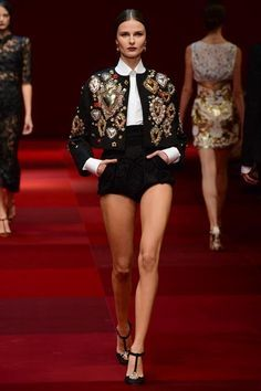 Dolce & Gabbana Spring 2015 Runway ♥ Discover the season's newest designs and inspirations on the fashion world. | Visit us at http://www.dailydesignews.com/ #fashiondesign #fashionworld #fashion #fashionshow #models #designers #fashiondesigners #runwayshow