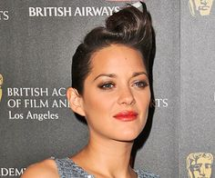 Marion Cotillard is never shy and retiring when it comes to her hair, and at the 2010 BAFTA Los Angeles Britannia Awards last night, she went for a Long Bob Hairstyles, Retro Hairstyles, Celebrity Hairstyles, Elvis Presley, Marion Cotillard Style, African American Hairstyles, Pompadour, Smooth Hair, Glam Rock