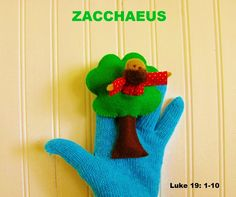 Zacchaeus: cut a slit in the tree and insert the tiny figure of Zaccheus! madonnasofmexico.com