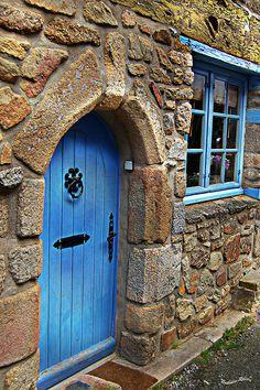 Une des vieilles maisons du quartier de Saint-Goustan, le port de la ville d'Auray dans le Morbihan. Bretagne.