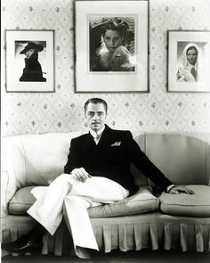 William Powell rocking it. I much prefer that trouser fit as opposed to contemporary fits that hug way too much.