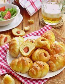 Az otthon ízei: Koktélvirslis sörkifli Bread Dough Recipe, Hot Dog Buns, Doughnut, Muffin, Food And Drink, Appetizers, Yummy Food, Desserts, Foods