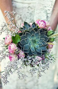 exquisite succulent wedding bouquets Because why have peonies and roses in your wedding bouquet when you can have succulents?Because why have peonies and roses in your wedding bouquet when you can have succulents? Bouquet Bride, Diy Wedding Bouquet, Diy Bouquet, Bridal Bouquets, Wedding Bouquets With Succulents, Wedding Dresses, Bridesmaid Bouquets, Teal Bouquet, Wedding Favors