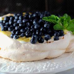 Blackberry limoncello pavloava