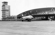 1955-1976, als der zivile Flugverkehr noch auf der militärischen Seite des Flughafen abgefertigt wurde..... im Bild eine Sued Aviation #Caravelle der #Austrian