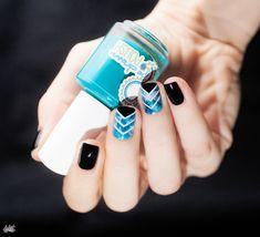 #NailArt - by Pshiiit - #manucure Aqua Chevron -   #vernis