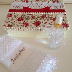 Presentes personalizados  #presentespersonalizados #presentearcomestilo #artesanato #casamentos - ginaribeiros