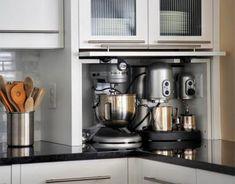 Кухня в цветах: черный, серый, белый, коричневый. Кухня в стилях: модерн и ар-нуво, прованс.