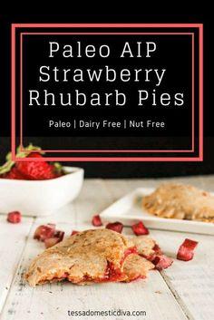 Paleo AIP Strawberry Rhubarb Pies with cassava flour Best Gluten Free Desserts, Paleo Recipes, Whole Food Recipes, Healthier Desserts, Muffin Recipes, Baking Recipes, Paleo Dessert, Dessert Recipes, Stem Challenge