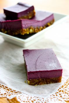 Blackberry Cheesecake Bars (raw, vegan)