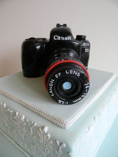 Canon cake - on my wish list of birthday surprises! ;-)
