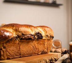 Reteta de cozonac cu cacao si nuca – reteta pentru incepatori   Cozonacul Dolofan Bread, Brot, Baking, Breads, Buns