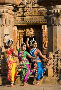 Classical Indian dancers, Konark, India by Jim Zuckerman Photography