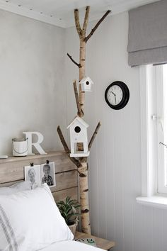 Vicky's Home: Home tour, an inspirational Nordic house / Home tour, a house full of Nordic inspiration Branch Decor, Home And Deco, Kid Spaces, Bird Houses, Home And Living, Kids Room, Sweet Home, Indoor, House Design