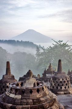 A Breath-taking Experience dawn at Borobudur Temple in Yogyakarta, Java, Indonesia Laos, Vietnam, Places To Travel, Places To See, Places Around The World, Around The Worlds, Beautiful World, Beautiful Places, Borobudur Temple