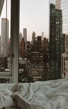 City Aesthetic, Aesthetic Rooms, Travel Aesthetic, Most Beautiful Pictures, Beautiful Places, City Vibe, Nyc Life, Dream Apartment, City View Apartment