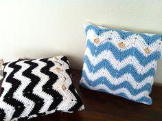 Custom Crochet Pillow, Chevron Crochet Pillow, Crochet cushion cover, white black chevron, white blue chevron