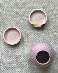 #homeware #homedecor #pinkdecor #concrete #concreteart #concretedesign #concretedecor #interiordesign #decoration #jewelrystorage Dish Storage, Sunset Art, Coastal Wall Art, Beach Print, Interiordesign, Last Minute Gifts, Best Friend Gifts, Concrete, Bubbles