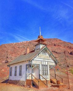 I want to share this photo of the old school house in the old ghost town of Calico, California. We took a Route 66 side trip here. FYI, I posted this photo from my alternate IG account, because it's pretty much Route 66. See this Instagram photo by @rj_travels