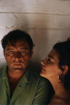Richard Burton and Ava Gardner pose for a portrait on the set of 'The Night Of The Iguana' on location in Puerto Vallarta, Mexico in February, Directed by John Huston. Get premium, high resolution news photos at Getty Images Ava Gardner, Old Film Stars, Movie Stars, Vintage Hollywood, Classic Hollywood, Burton And Taylor, Night Of The Iguana, Elizabeth Taylor Cleopatra, John Huston