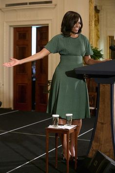 Michelle Obama Photos Photos - First Lady Michelle Obama Hosts Event Marking New Year Celebration of Nowruz - Zimbio Michelle Obama Flotus, Michelle Obama Fashion, Barack And Michelle, African Wear, African Dress, Obama Photos, Barack Obama Family, American First Ladies, First Black President