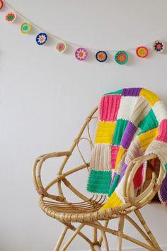 http://www.wimketolsma.nl/2015/01/crochet-color-bunting.html