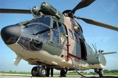 La Fuerza Armada de Venezuela (FANB) informó hoy el despliegue de un equipo de búsqueda aéreo para hallar un helicóptero militar con 13 personas abordo que desapareció el pasado viernes en el Amazonas venezolano.</p>