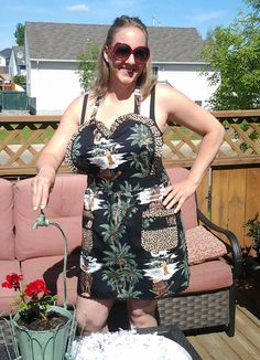 VINTAGE INSPIRED APRON in retro Hawaiian by TwoSparrowsClothing, $48.00