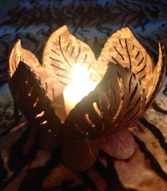 candle holder (and more) Pottery Designs, Pottery Art, Wood Crafts, Diy And Crafts, Coconut Shell Crafts, Decorative Gourds, Craft Images, Gourd Lamp, Bottle Cap Crafts