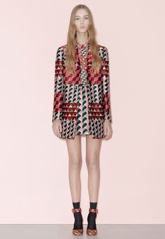 See all the Red Valentino Pre-Fall/Winter photos on Vogue. Fall Fashion 2016, Fashion Show, Fashion Design, Valentino 2017, Couture, Fall Collections, Mannequins, Fall 2016, Fashion Prints
