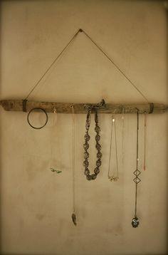 Je veux trouver des bijoux fait main pour CHANGER, je vais voir tous les  modèles pas cher ICI Porte bijoux fait maison 23e67797311a
