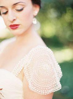 Tendance Robe De Mariée 2017/ 2018 : Detailed cap sleeve: www.stylemepretty | Photography: Jessica Kay  www.jessi