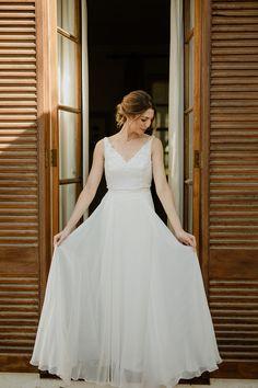 Beautiful Bridal portraits Bridal Photography, Bridal Portraits, One Shoulder Wedding Dress, Wedding Dresses, Beautiful, Fashion, Bride Dresses, Moda, Bridal Gowns