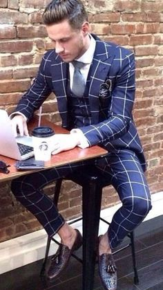 Sometimes bold patterns like this window pane pattern work. Mens Fashion Suits, Mens Suits, Best Street Style, Mode Costume, Designer Suits For Men, Classy Men, Fashion Mode, Fashion Clothes, Men Street