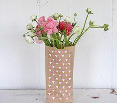 Mooie vaas voor je bloemen nodig? Waarom maak je er zelf niet eentje?