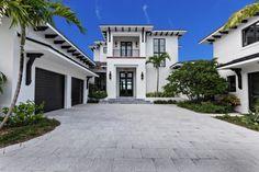 spanish style homes denver colorado Mediterranean Homes Exterior, Mediterranean House Plans, Mediterranean Architecture, Florida Homes Exterior, Exterior Homes, White Exterior Houses, Spanish Style Homes, Spanish Revival, House Design