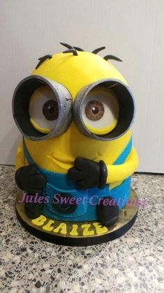 cheeky little Minion - Cake by Jules Sweet Creations