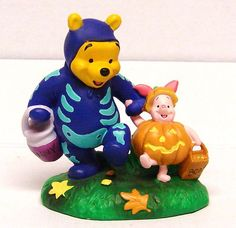 Walt Disney Winnie The Pooh and Piglet Trick or Treat for Halloween Figurine
