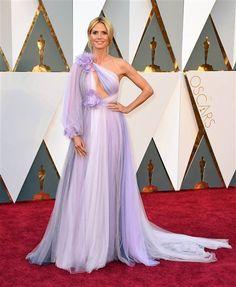 Oscar 2016 Red Carpet: Heidi Klum in Marchesa Heidi Klum, Celebrity Inspired Dresses, Celebrity Dresses, Evening Party Gowns, Evening Dresses, Oscar Dresses, Prom Dresses, Dresses 2016, Robes D'oscar