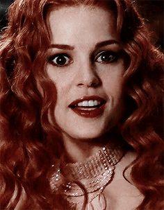 Vampire Bride, Vampire Girls, Van Helsing Dracula, Vampire Mythology, Vampire Illustration, Emily Ratajkowski Outfits, Elena Anaya, Descendants Wicked World, Female Celebrity Crush